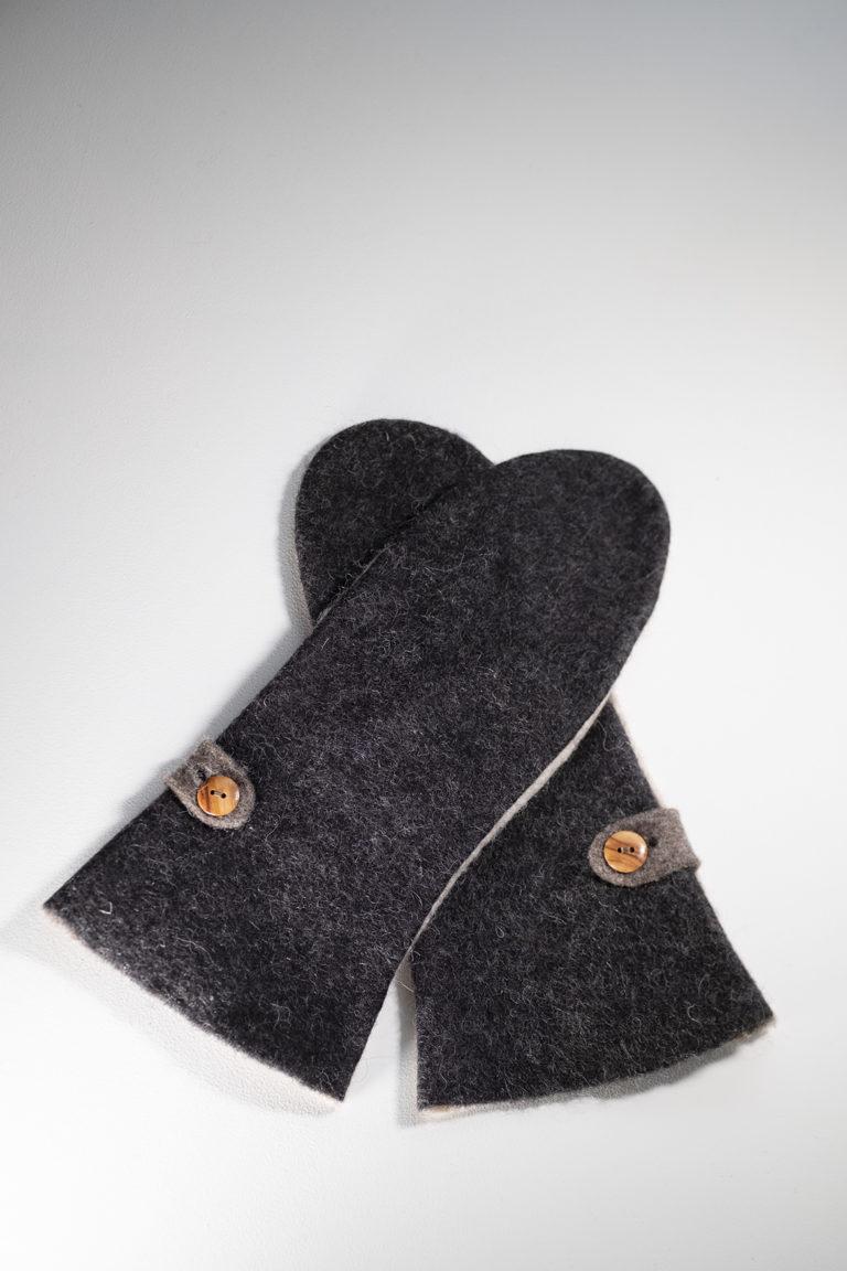 Long Mittens | black & blond natural wool felt
