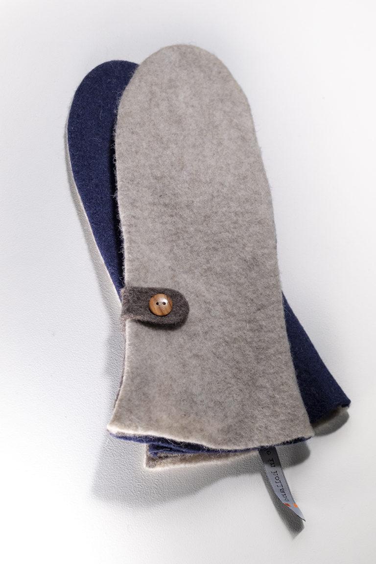 mittens ecru, navy-blue & brown
