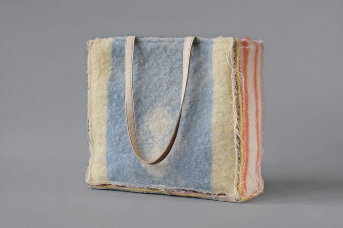a didas shoulderbag