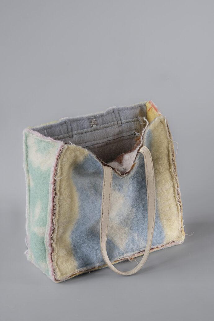 A Didas Layers Shoulder Bag