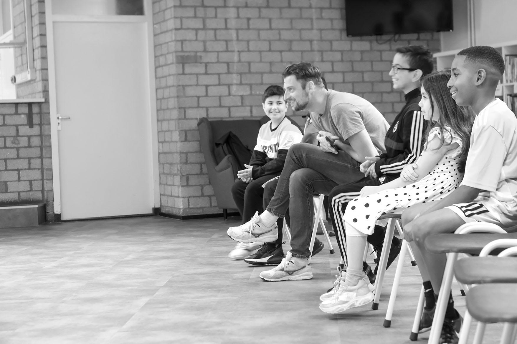 acting class with David Verschoor moving statue summerschool